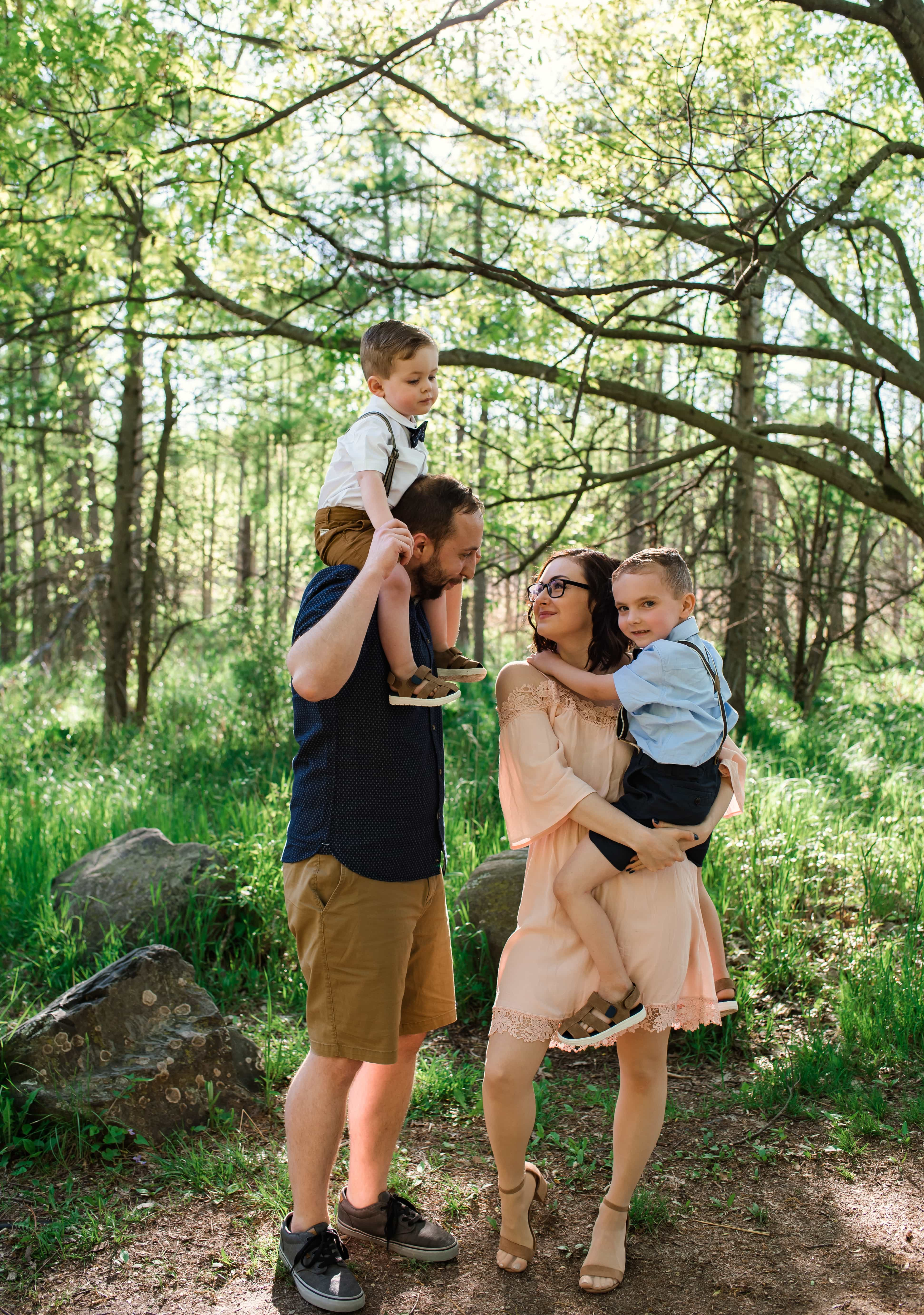 Outdoor Family Photography Kensington Metro Park